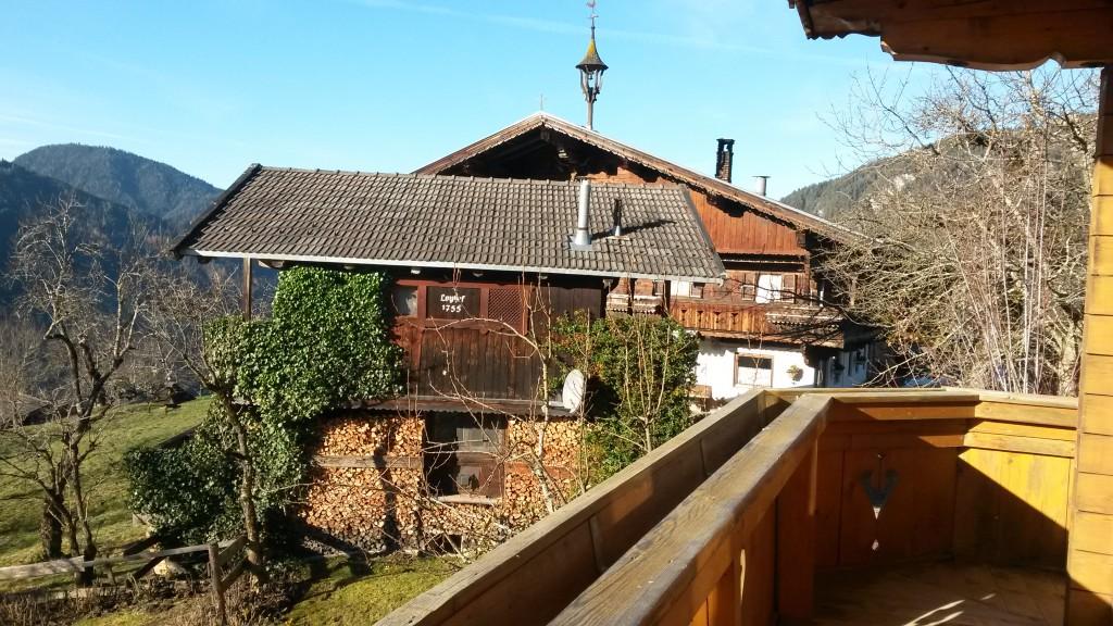 Aussicht zum Hang - der alte Tiroler Bauernhof einfach wunderschön